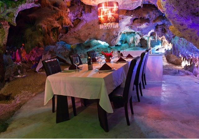 Alux Restaurant Review