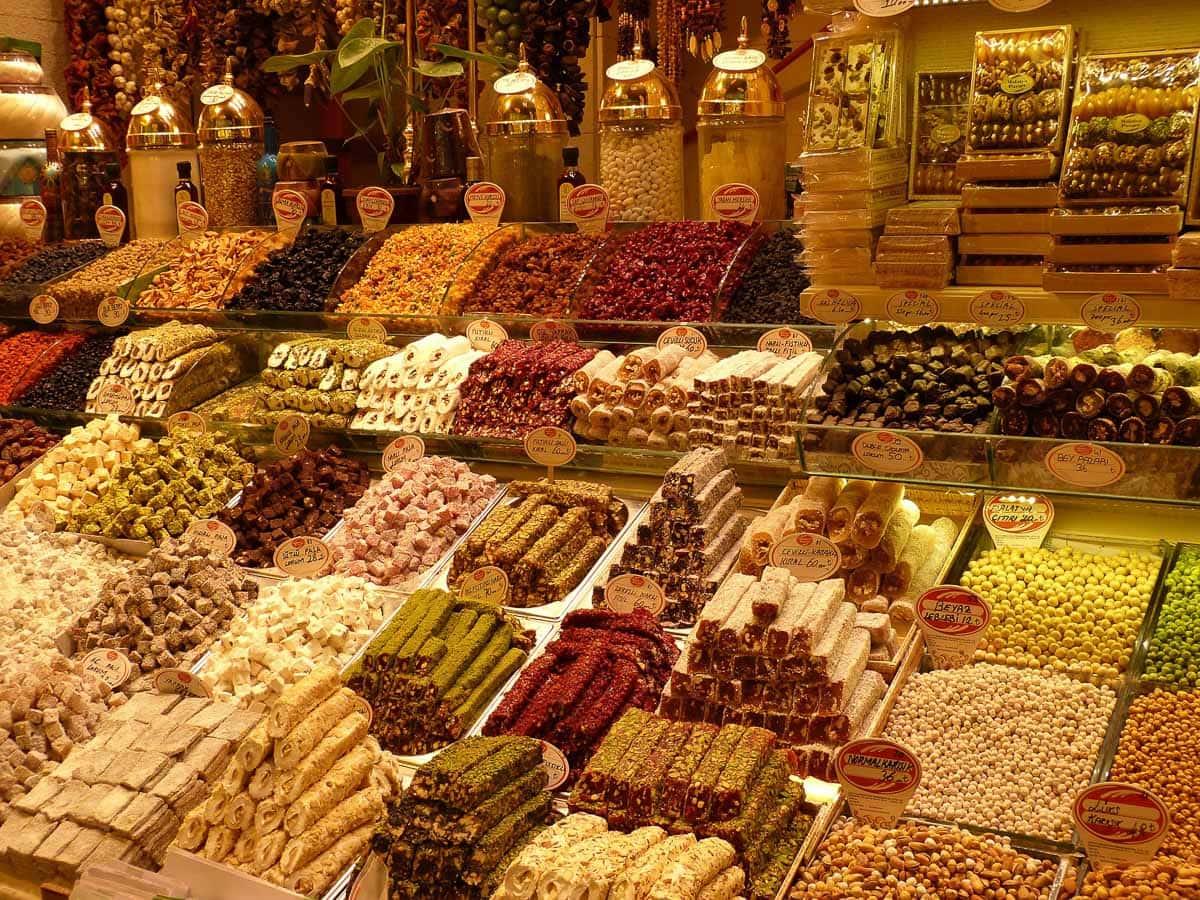 Turkish delight and sweet treats in Istanbul's markets