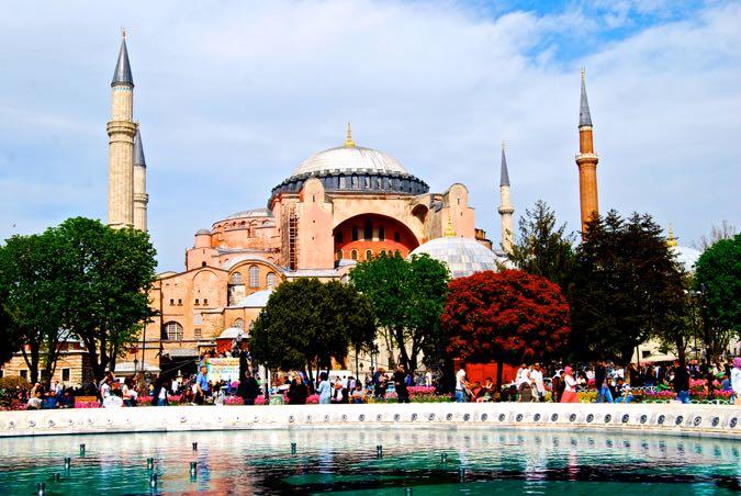 Wanderlust Chloe Istanbul