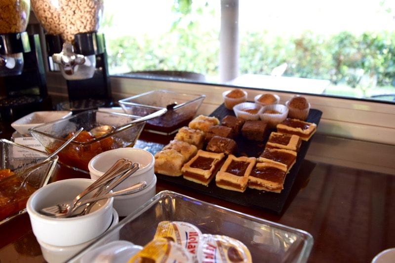 Breakfast at Villa Mansa Hotel