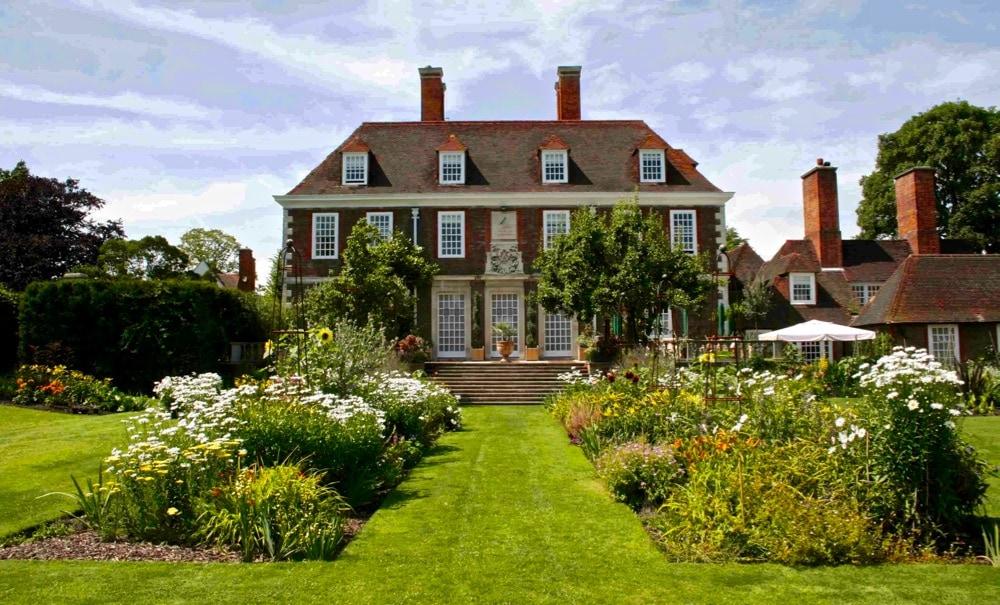 The Salutation and secret gardens