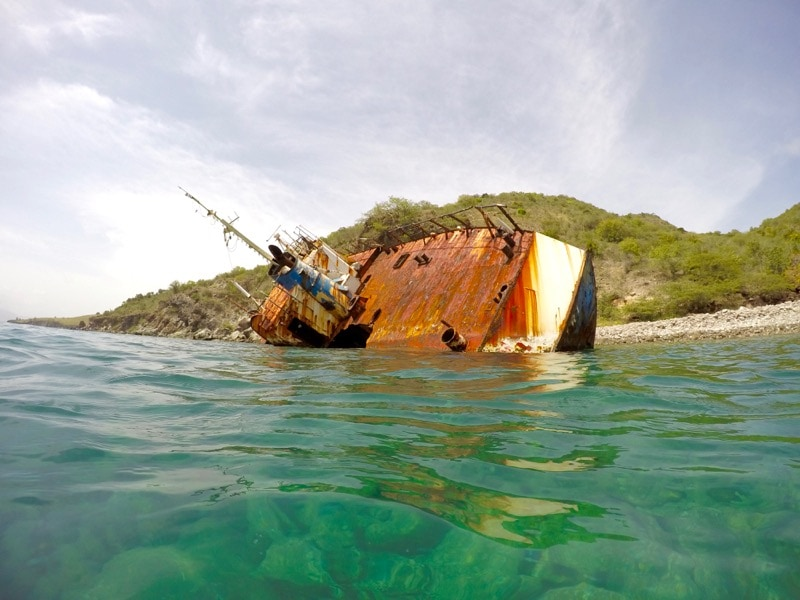 Snorkelling among the shipwrecks in St Kitts