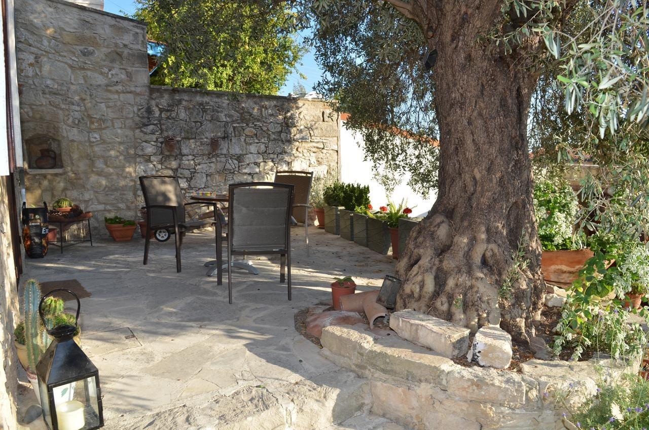 Vouni Lodge, Cyprus