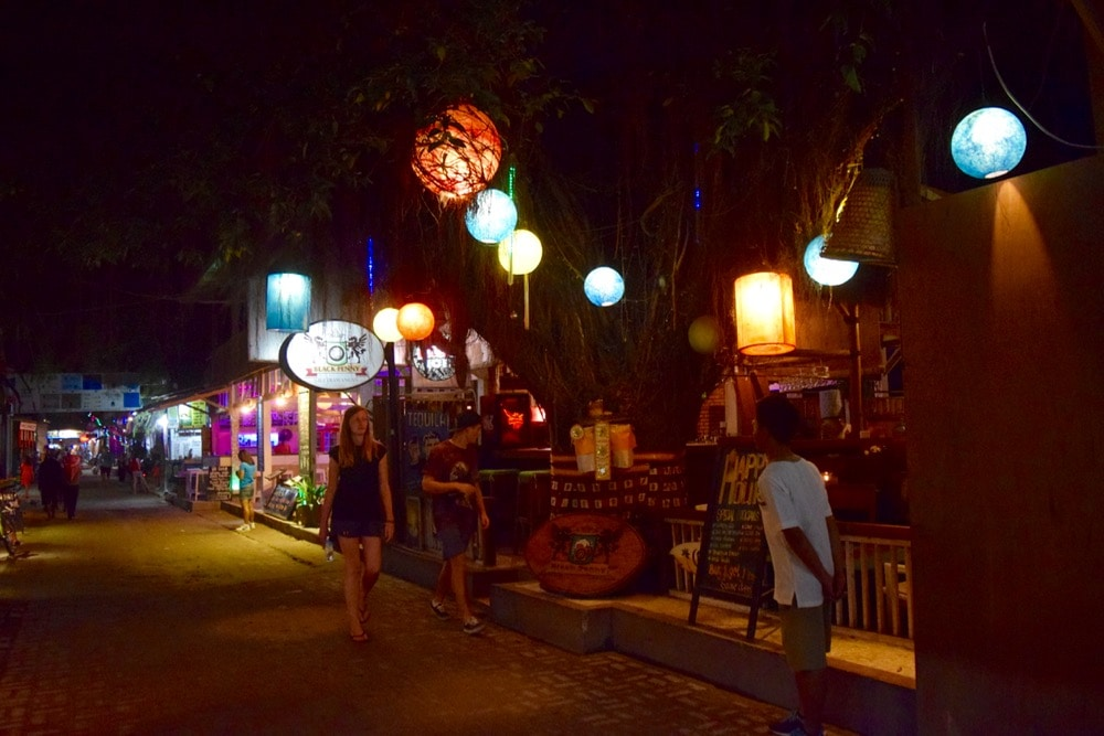 Night time in Gili T