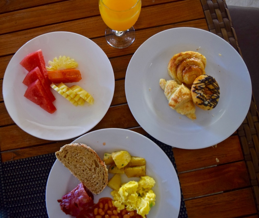 Breakfast at Hotel Ombak Sunset, Gili T