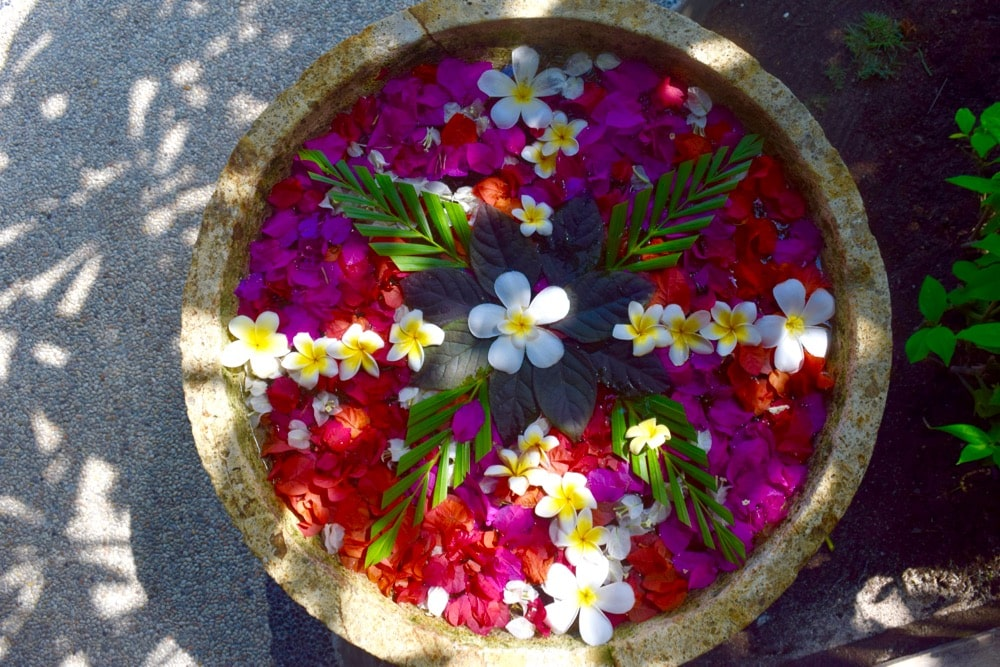 Beautiful flower arrangement at Hotel Ombak Sunset, Gili T