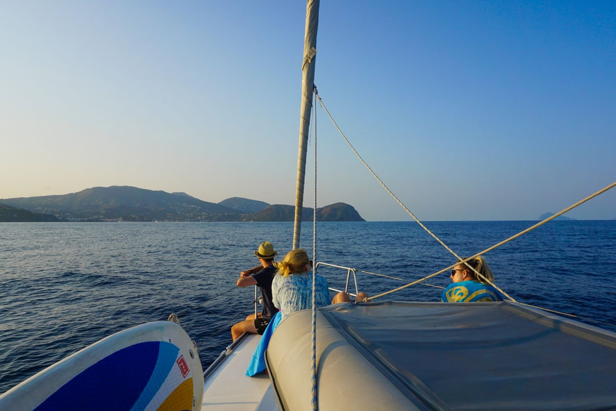Sailing around Sicily with MedSailors