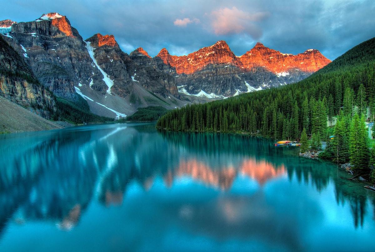 Lake Moraine, Alberta, Canada