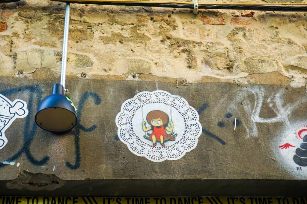 Little Lucy and her cat - Berlin Street Art