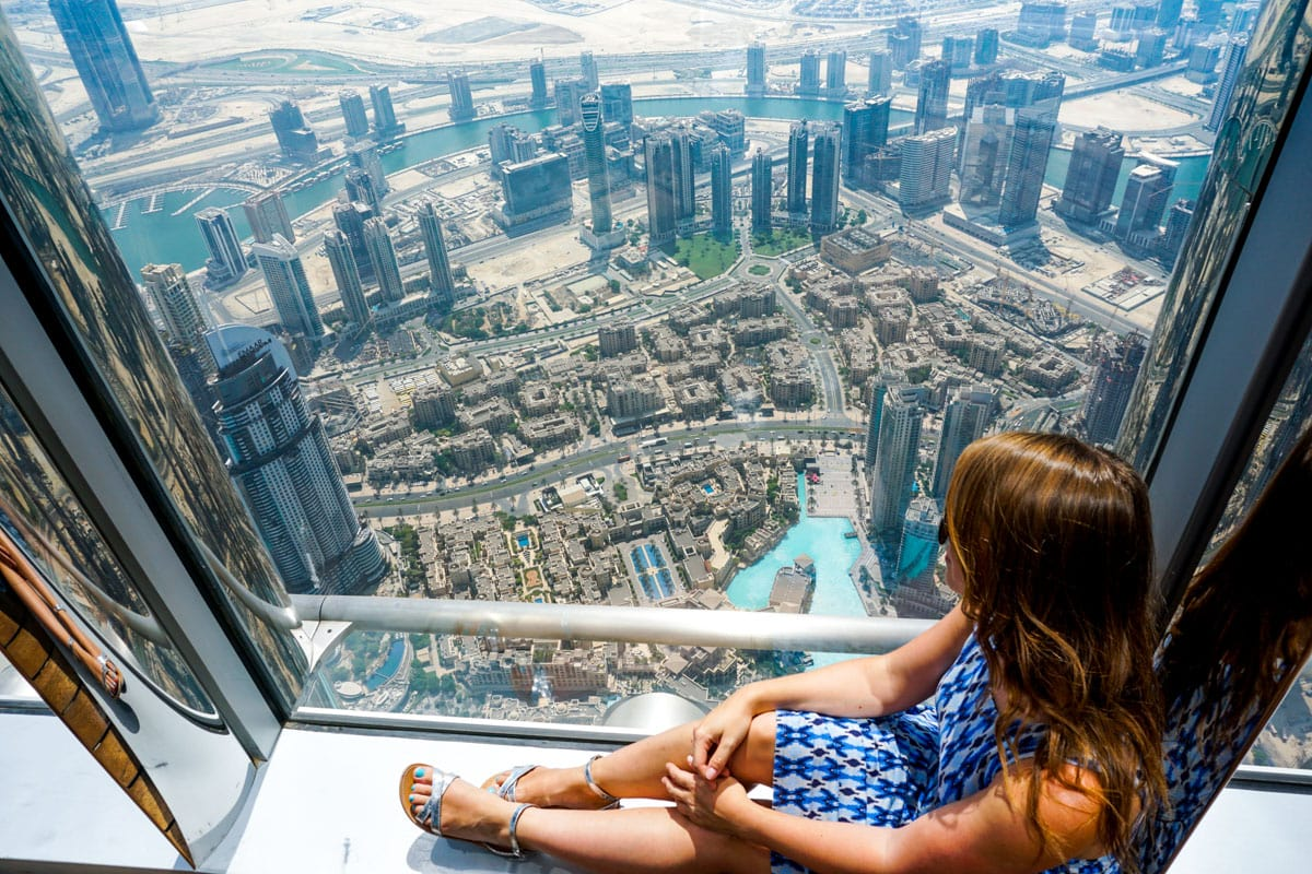 Amazing views of Dubai from Burj Khalifa