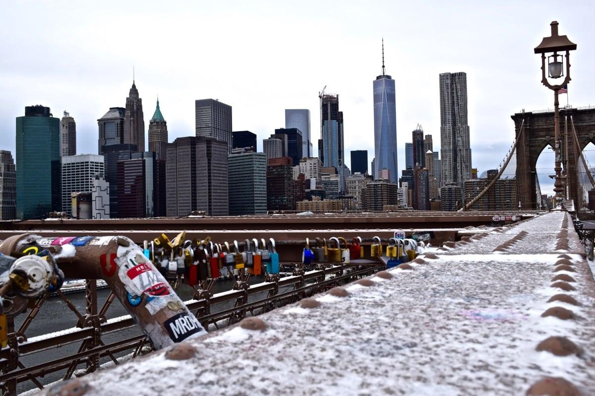 Beautiful views of Brooklyn Bridge in the snow