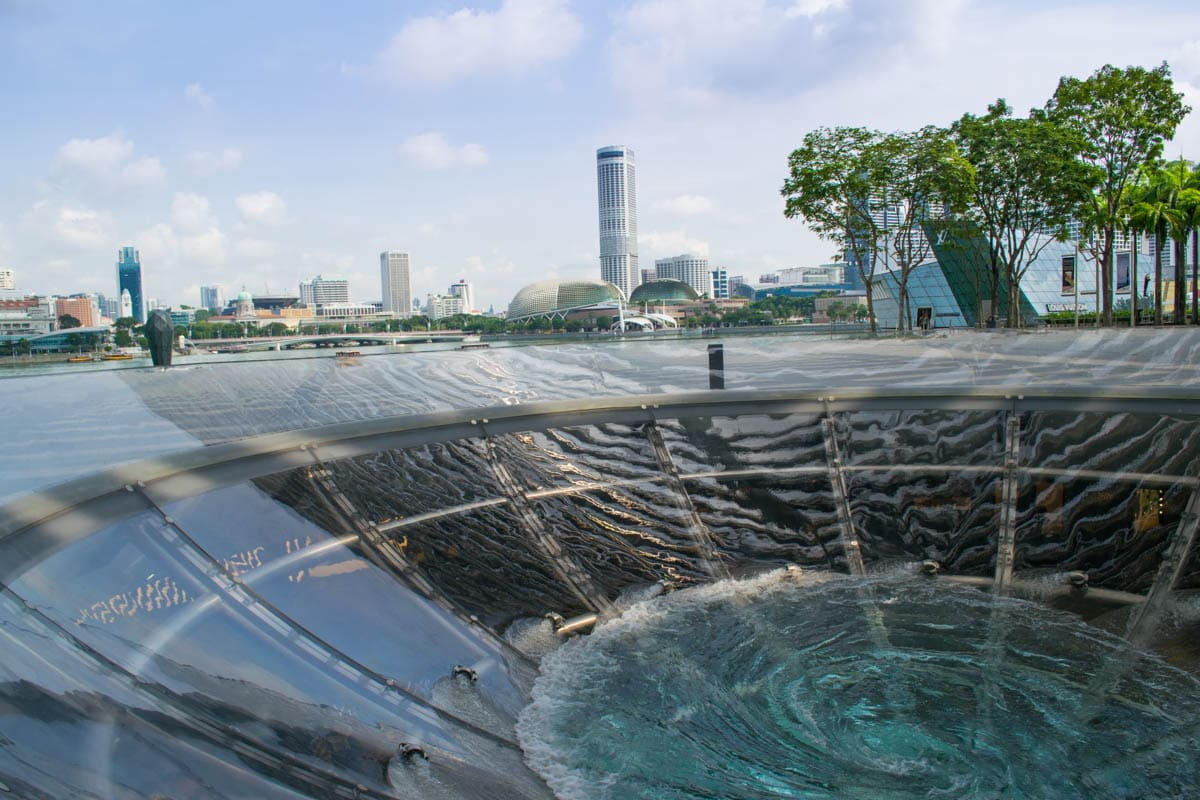 Learning about water on the feng shui tour of Singapore