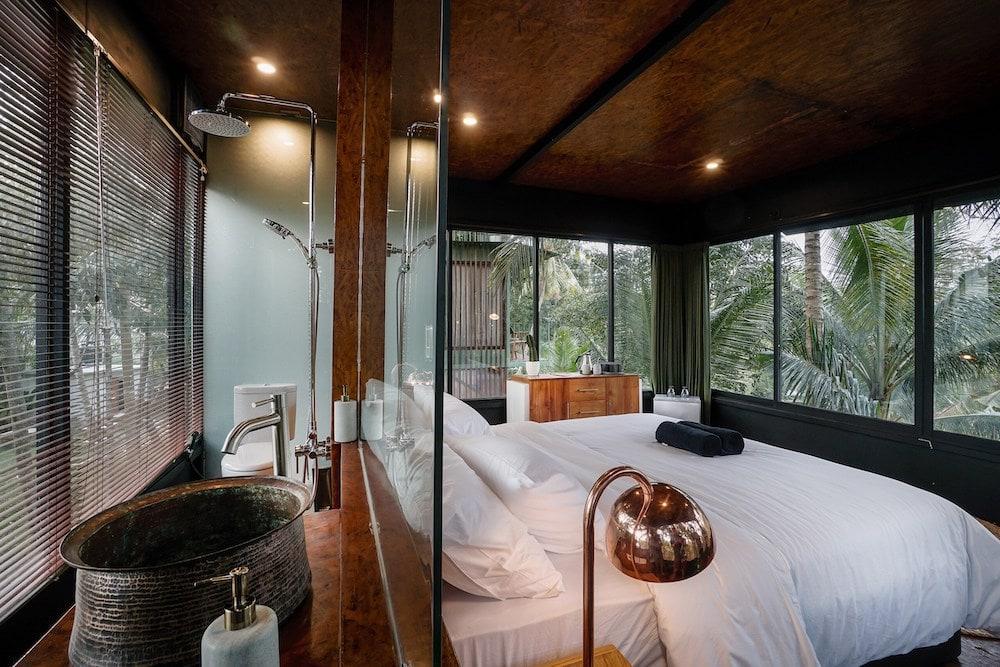 Stanley Kubrik House - Lift Bali