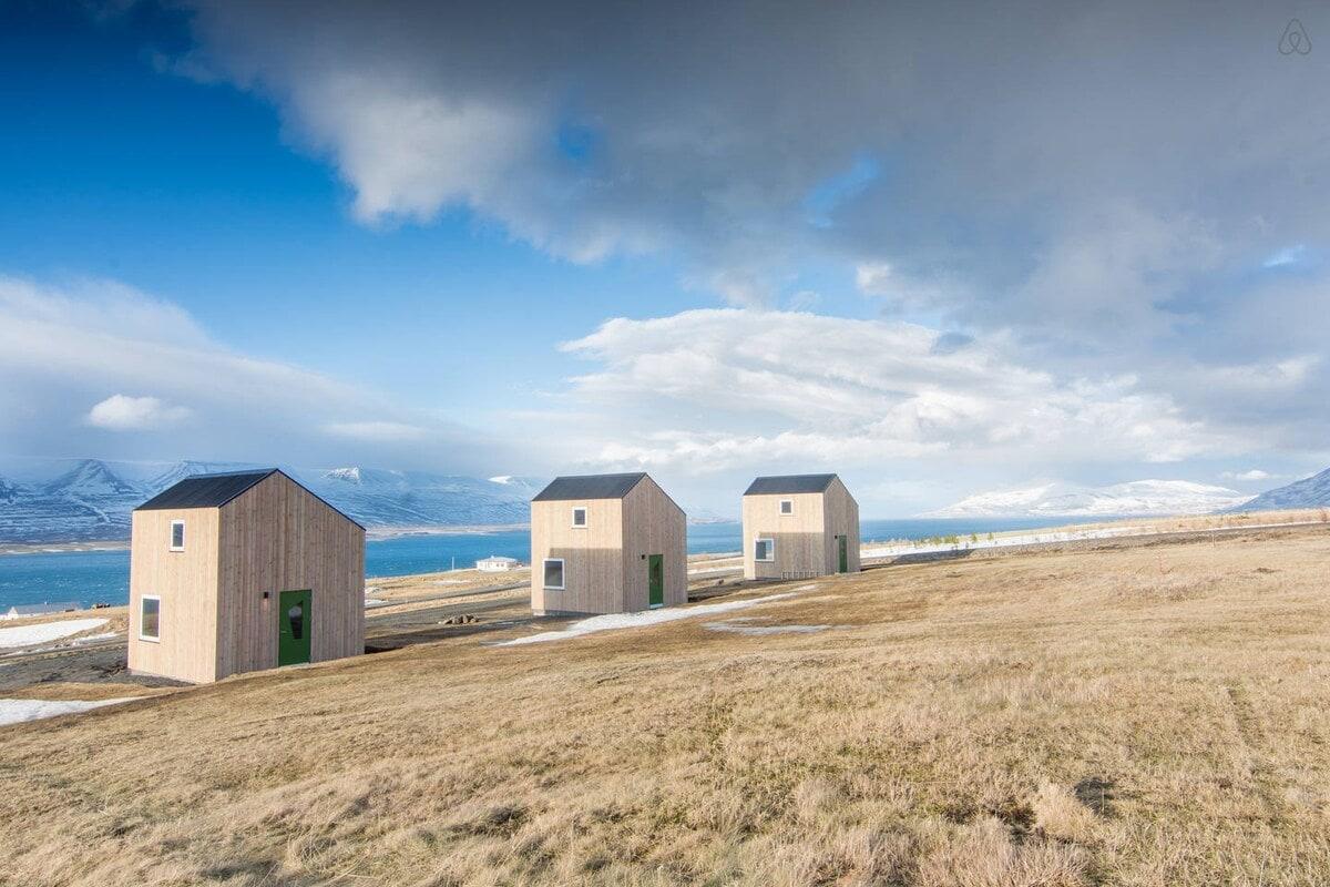 Sunnuhlío beach houses, Iceland