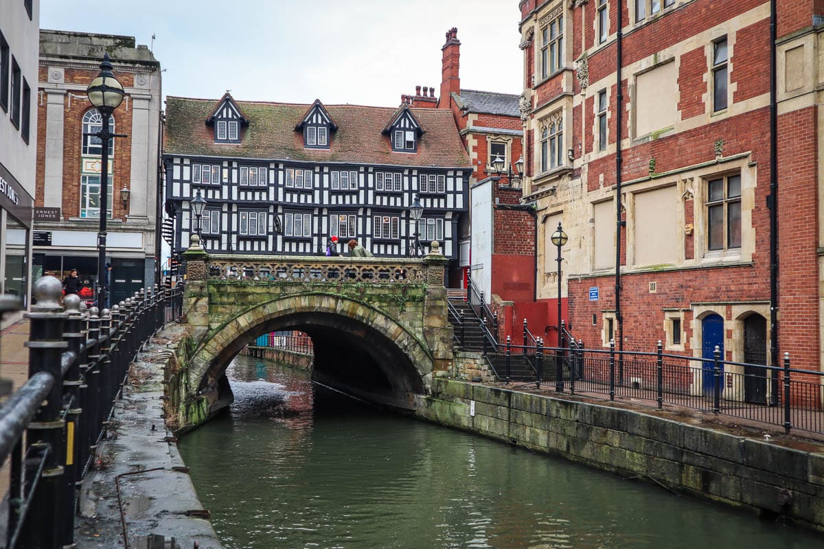 The Glory Hole, Lincoln