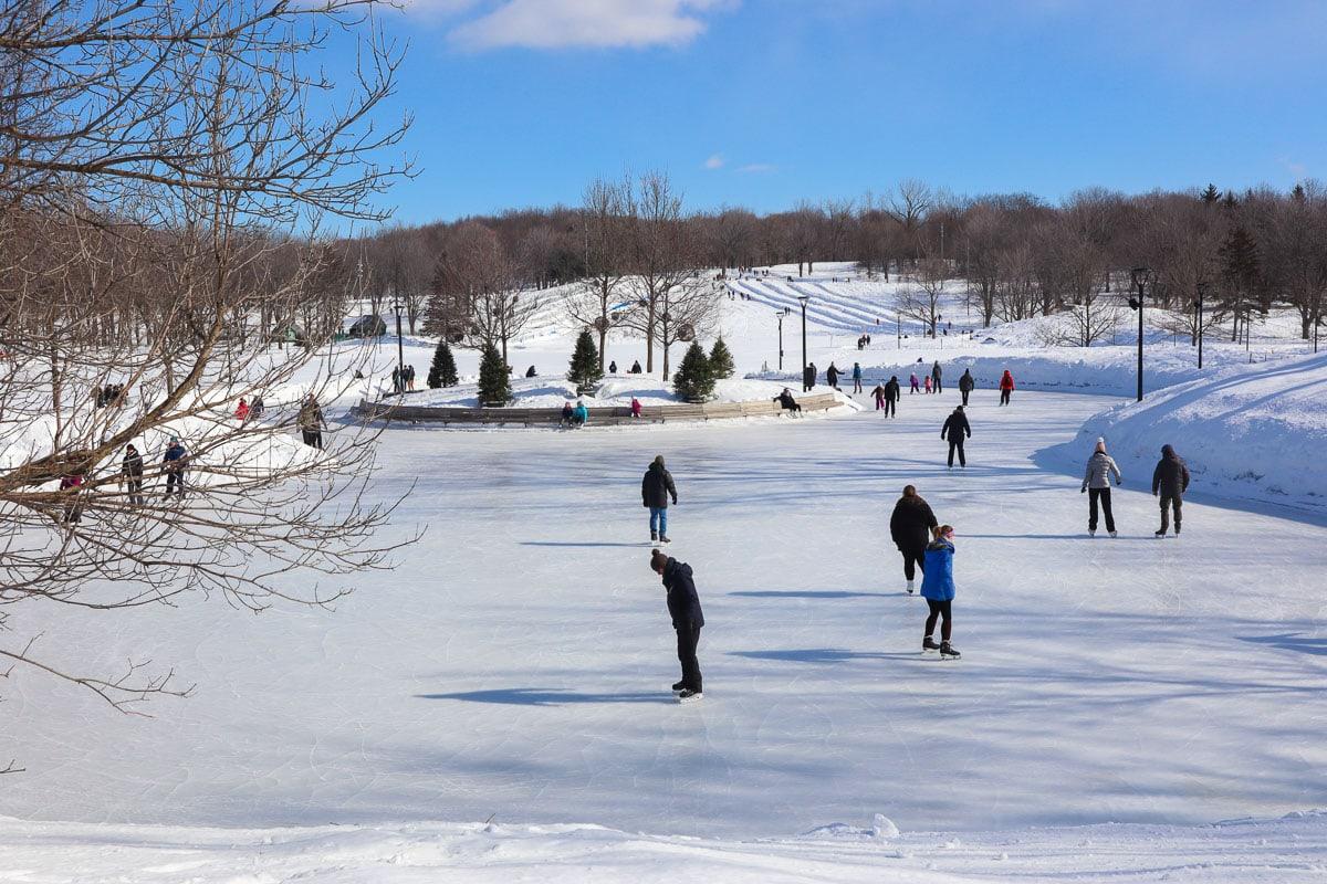 Patinage sur le lac Beaver, mont Royal, Montréal