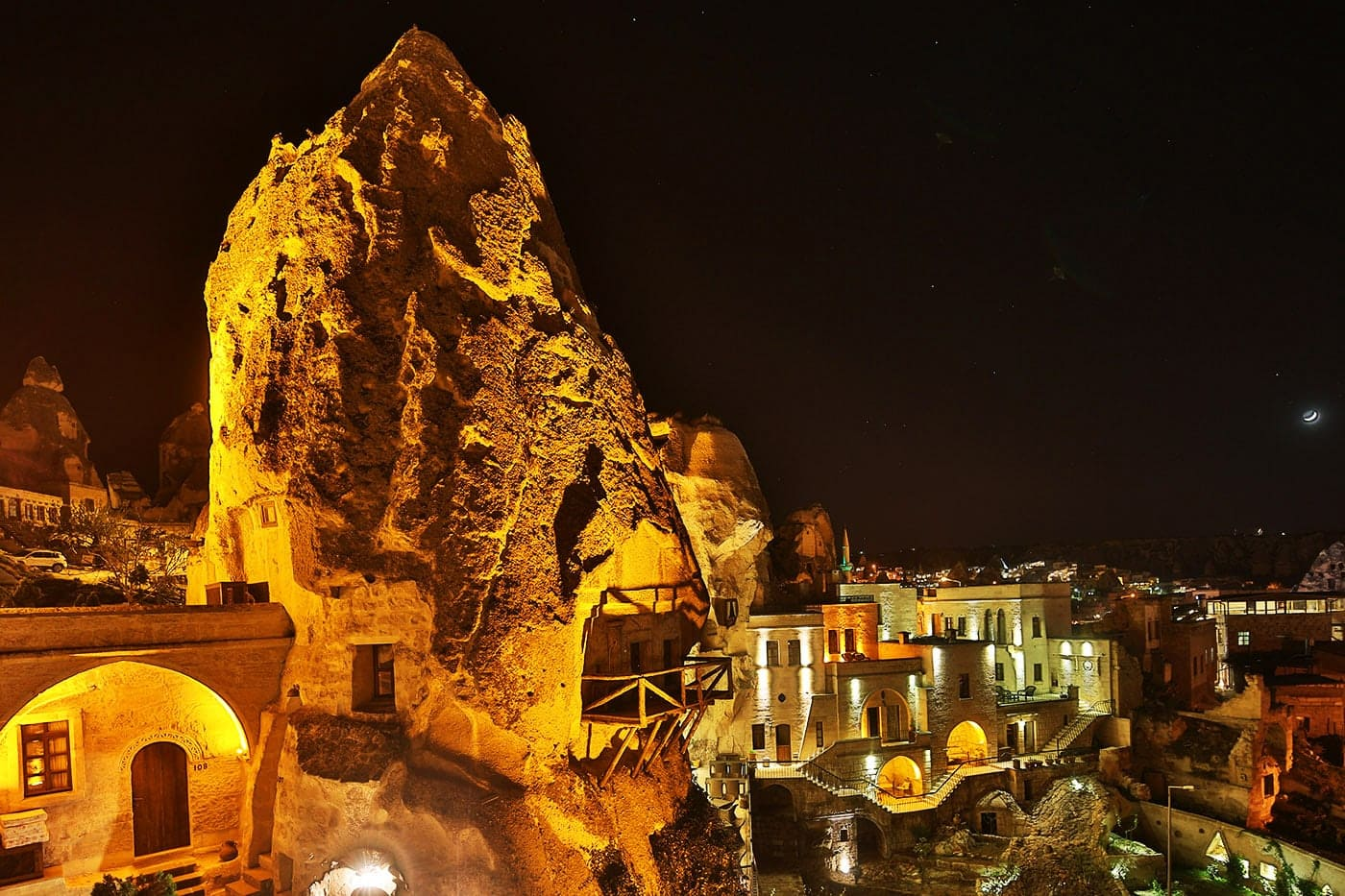 Cappadocia Cave Suites - stay in a fairy chimney