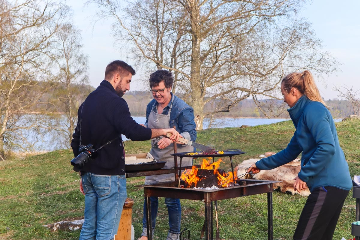 Wild cooking experience at Håcknesta Gård, Sweden