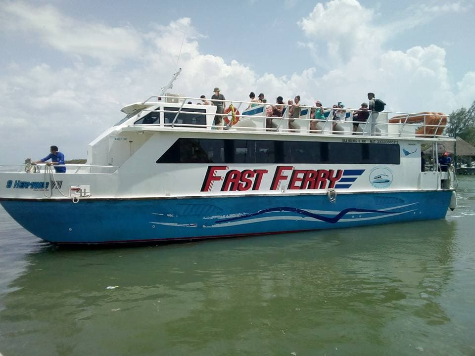9 Hermanos Holbox Ferry