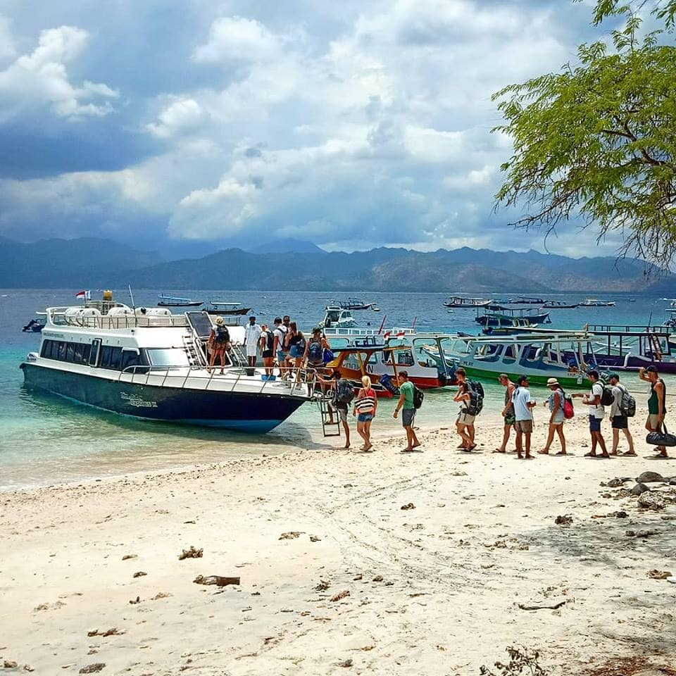 Arriving by boat to Gili T