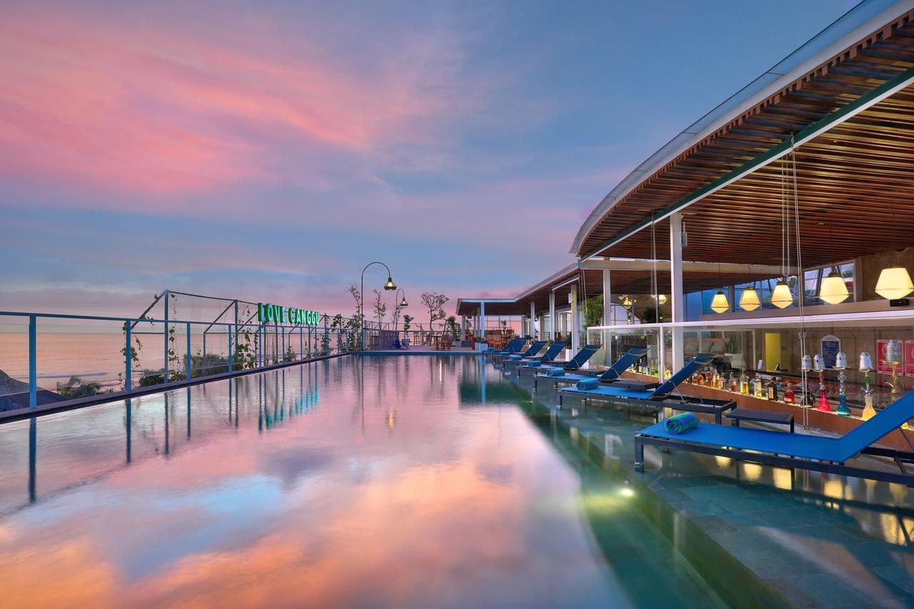 Hotel Aston Canggu Beach Resort