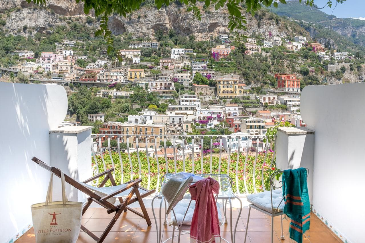 Where to stay in Positano? How about Hotel Poseidon with this amazing view?