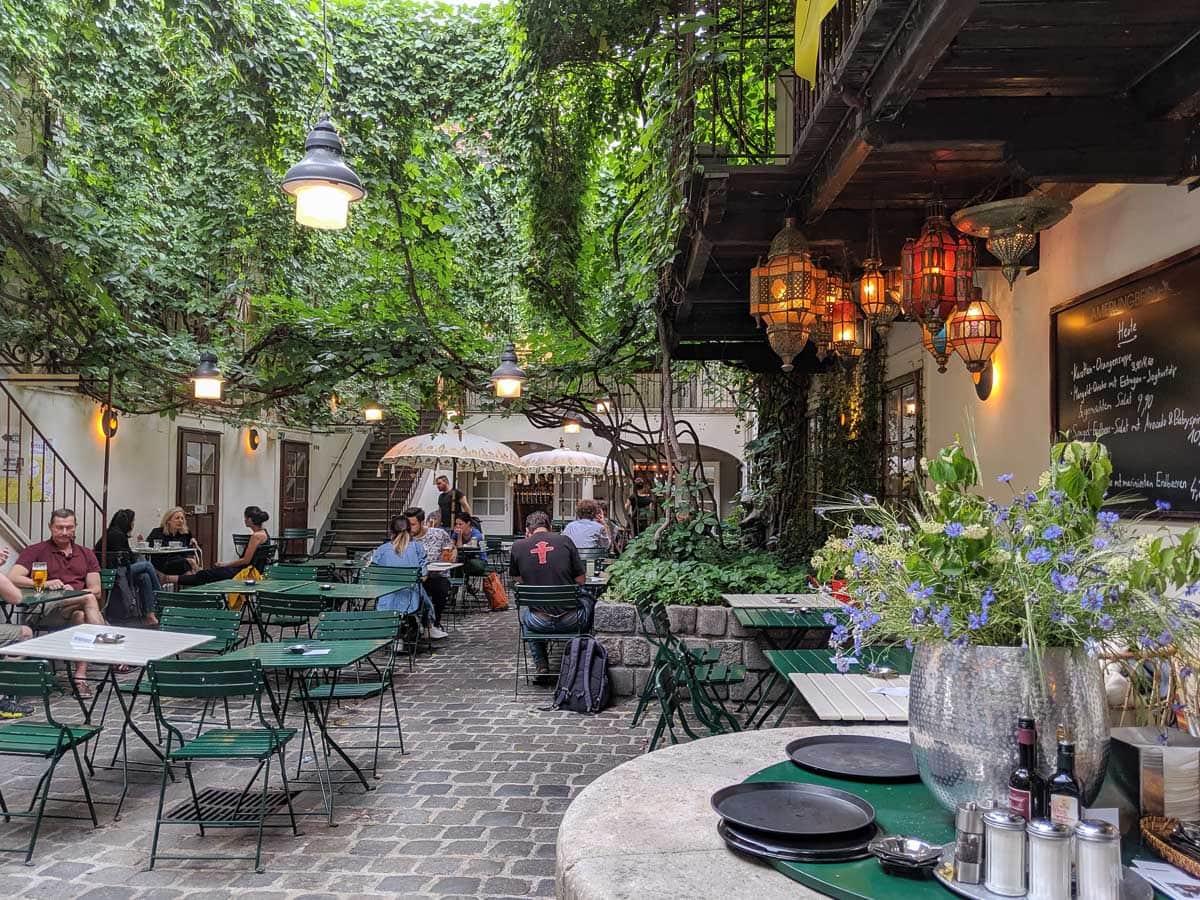 Amerlingbeisel cafe, Vienna