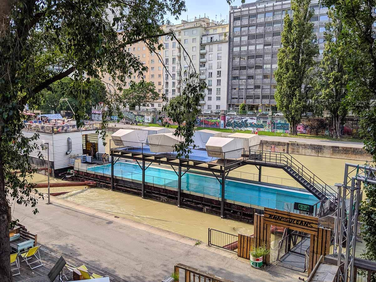 Badeschiff Wien - Vienna's outdoor pool