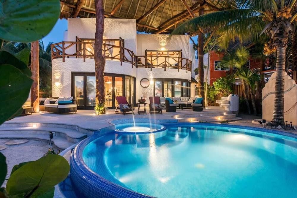 Casa Mariposa, Isla Holbox Airbnb for a big group