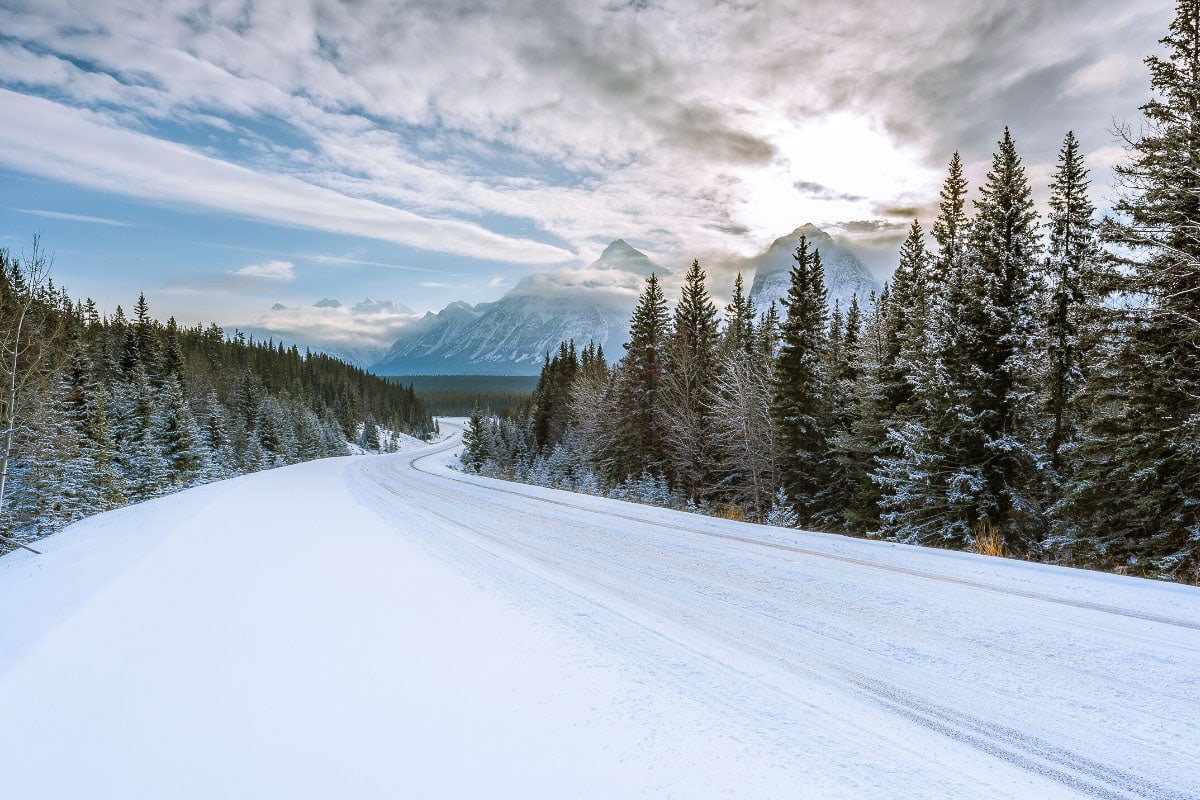 Beautiful scenery on a romantic road trip in Banff