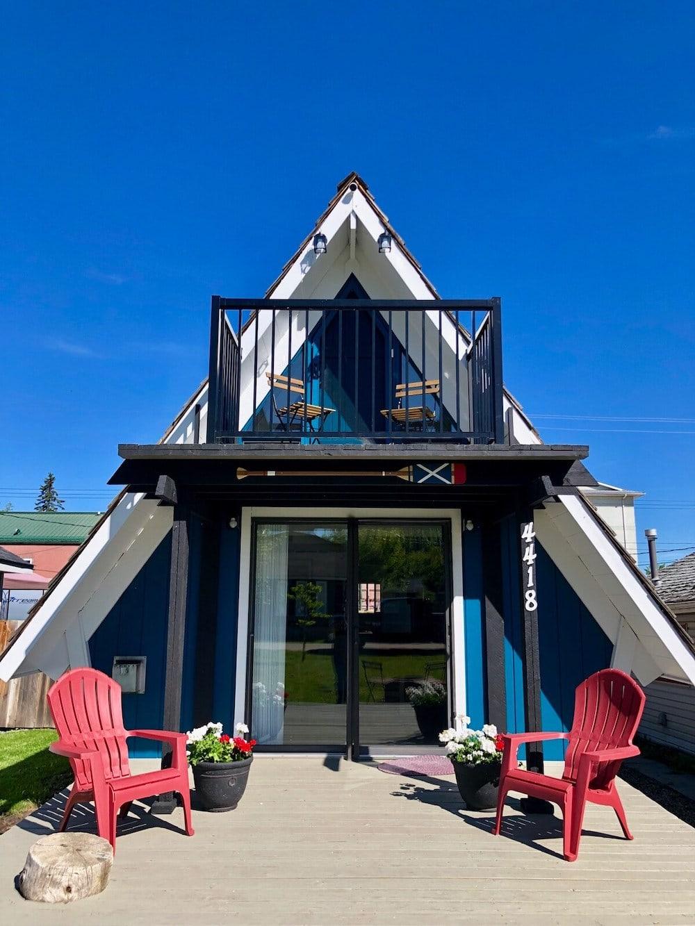 Cozy A-Frame Cabin, Sylvan Lake