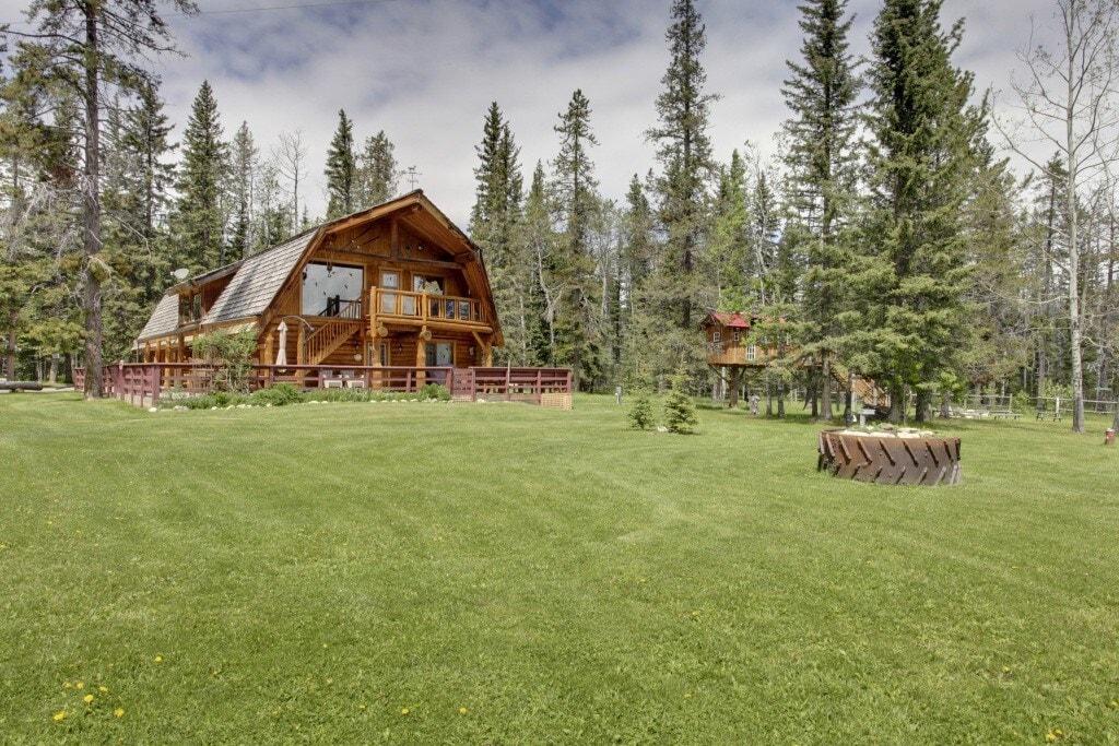 Folk Tree Lodge, Alberta
