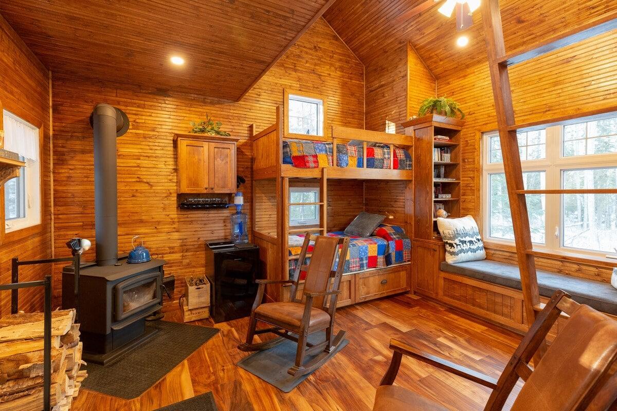 Woodsy Cabin, Alberta