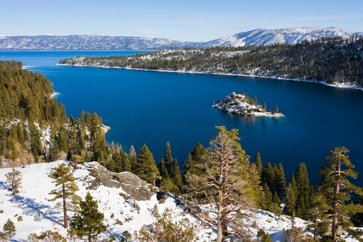 Beautiful views over Lake Tahoe in winter