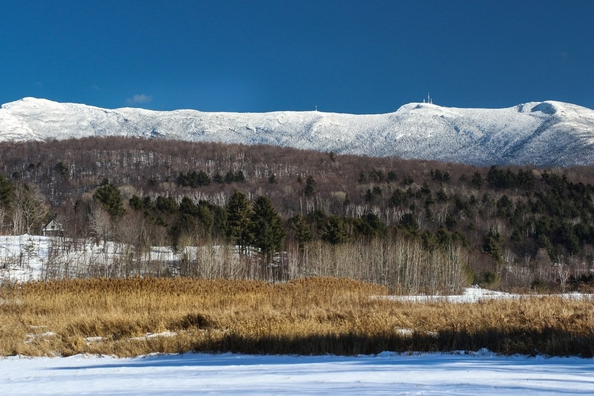 Pretty views of Vermont in winter