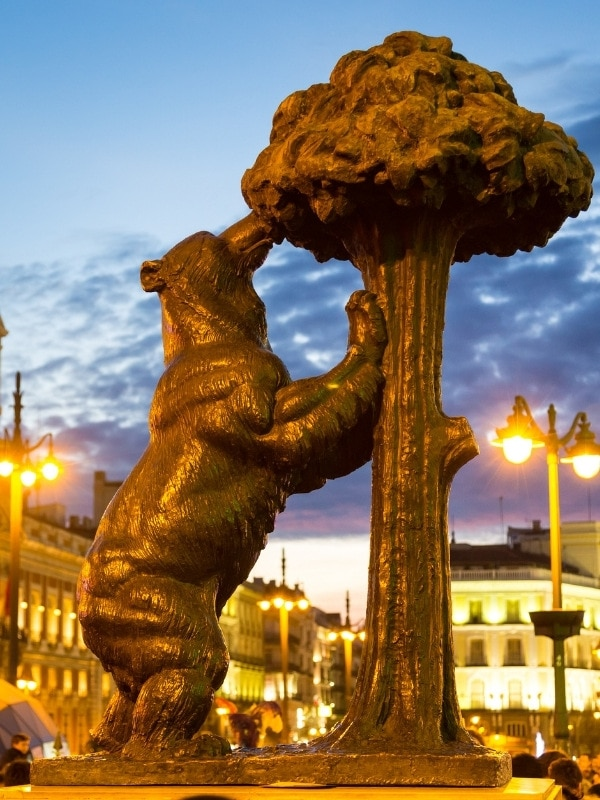 Statue of the the bear and the tree in Puerta del Sol, Madrid