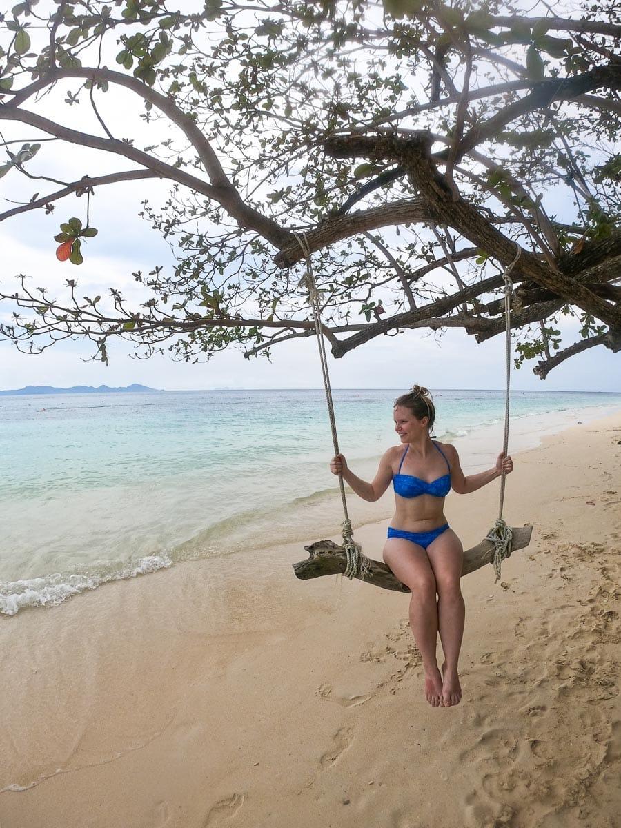 Relaxing on the Koh Lanta 4 island tour