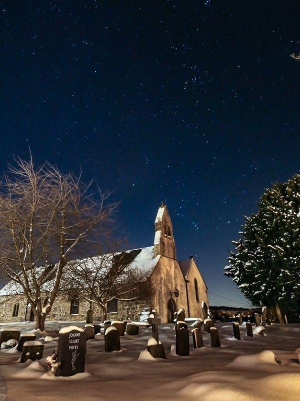 Dark sky stargazing experience (© Dark Sky Wales)
