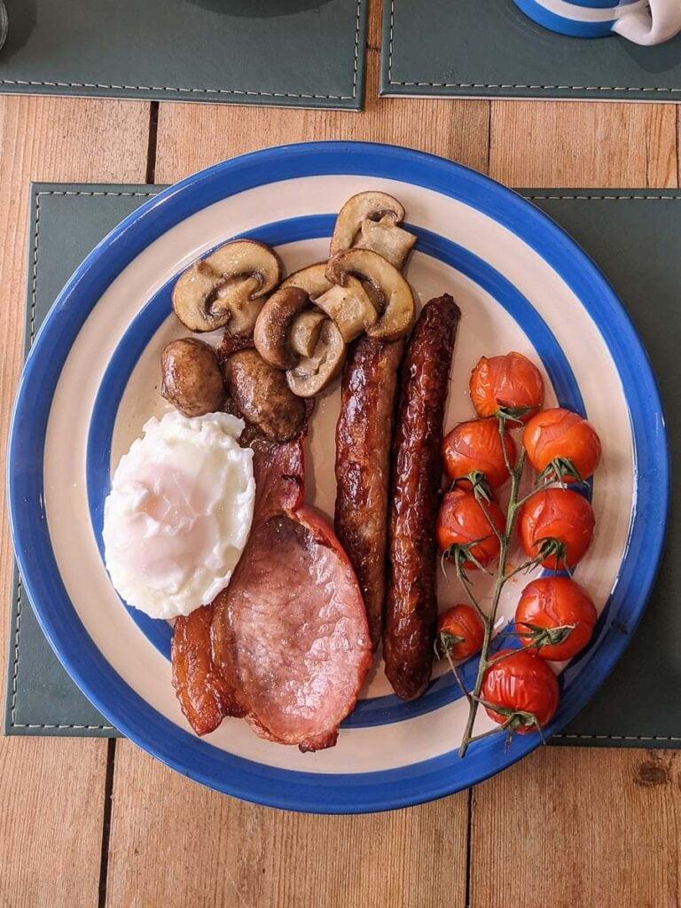 Full english breakfast at Chilton Farmyard B&B